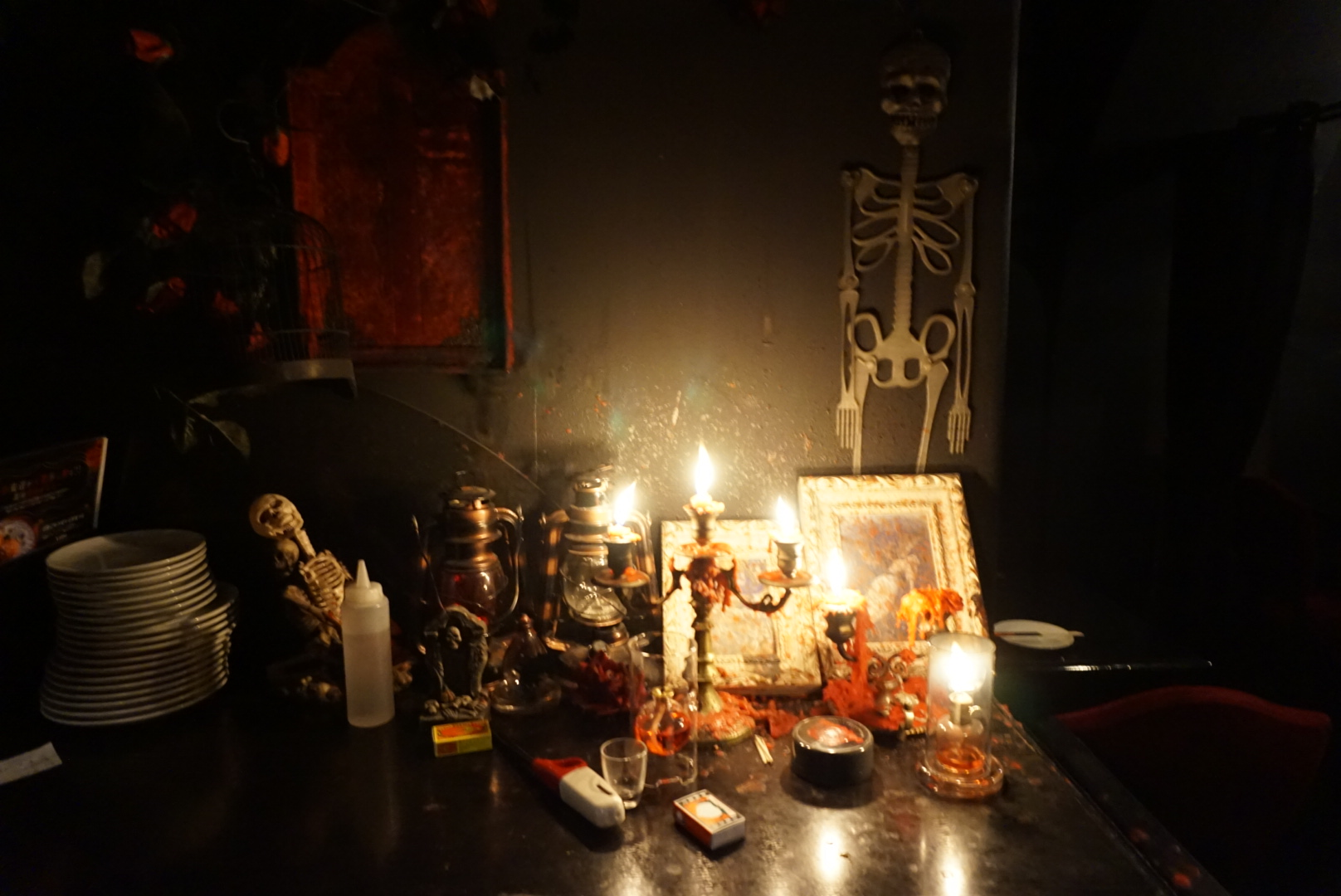 Creepy Japanese Food At The Vampire Cafe In Ginza Tokyo - Make-your-room-look-like-a-vampires-room