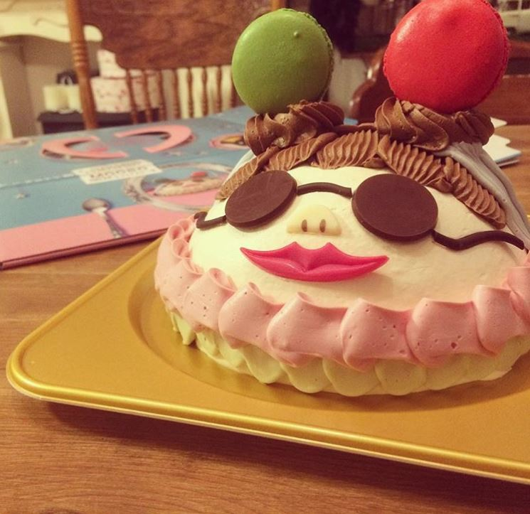 Japanese Christmas Cake.Creative Christmas Cakes Are Some Of The Best Holiday